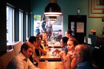 talking-at-restaurant-iseatz